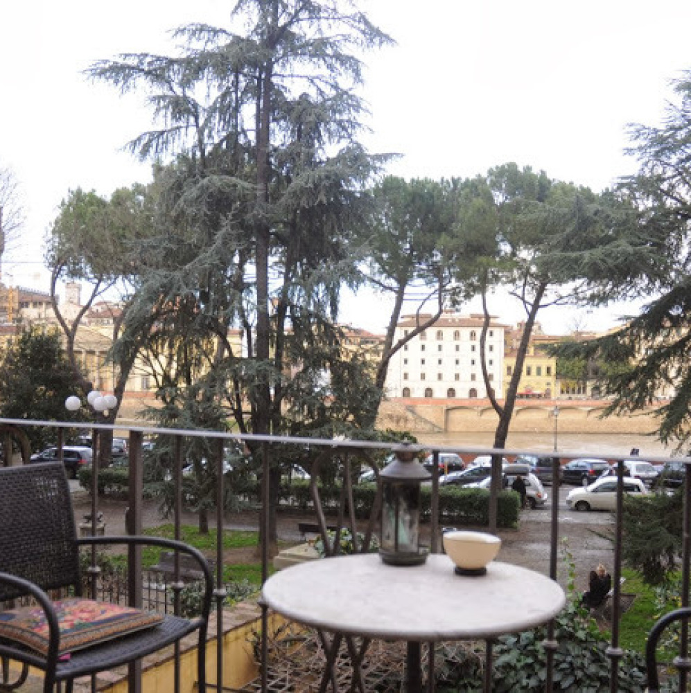 Apartment along the Arno River in Florence