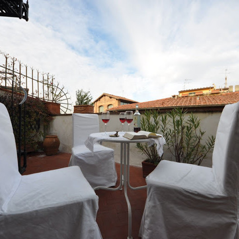 Apartment with terrace in Florence