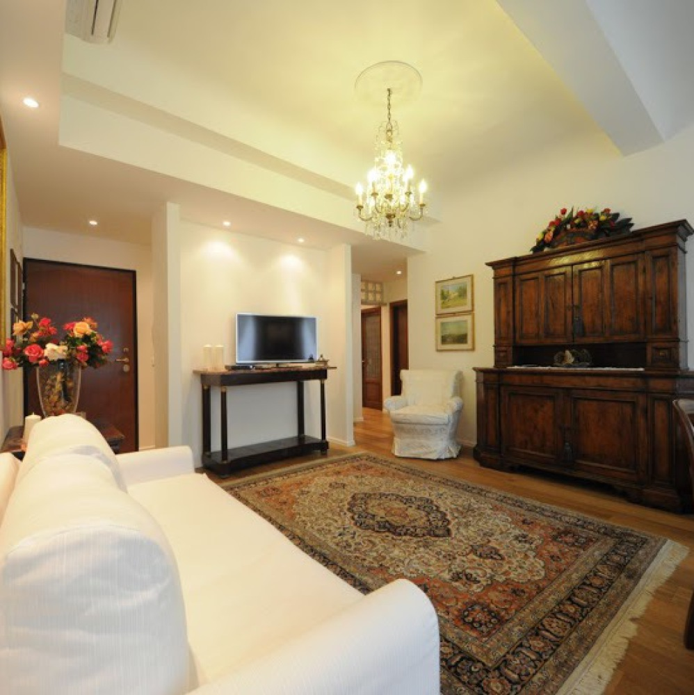 Elegant apartment in Florence Downtown