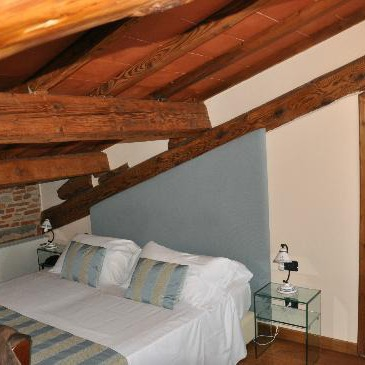 Apartments near to Arno River