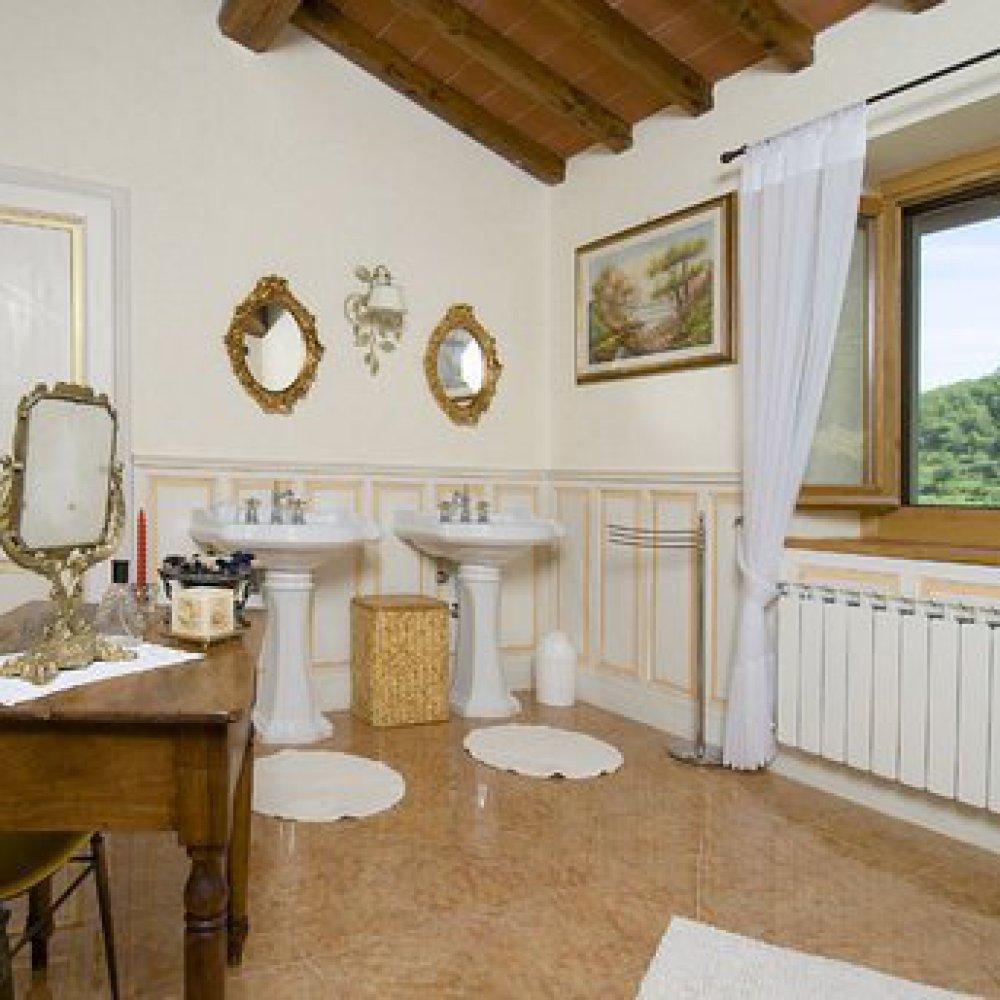 Villa in Mugello with mountain panorama