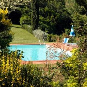 3 Villas & pools, tennis close to nice cities