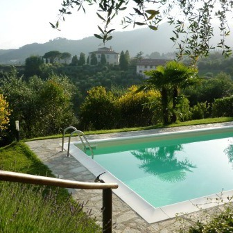 Villa with swimmingpool near Lucca