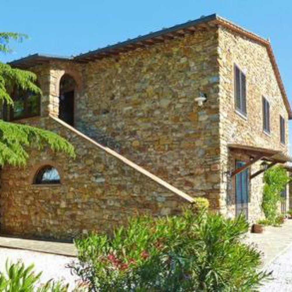 Casale di 11 appartamenti in Val Di Cornia