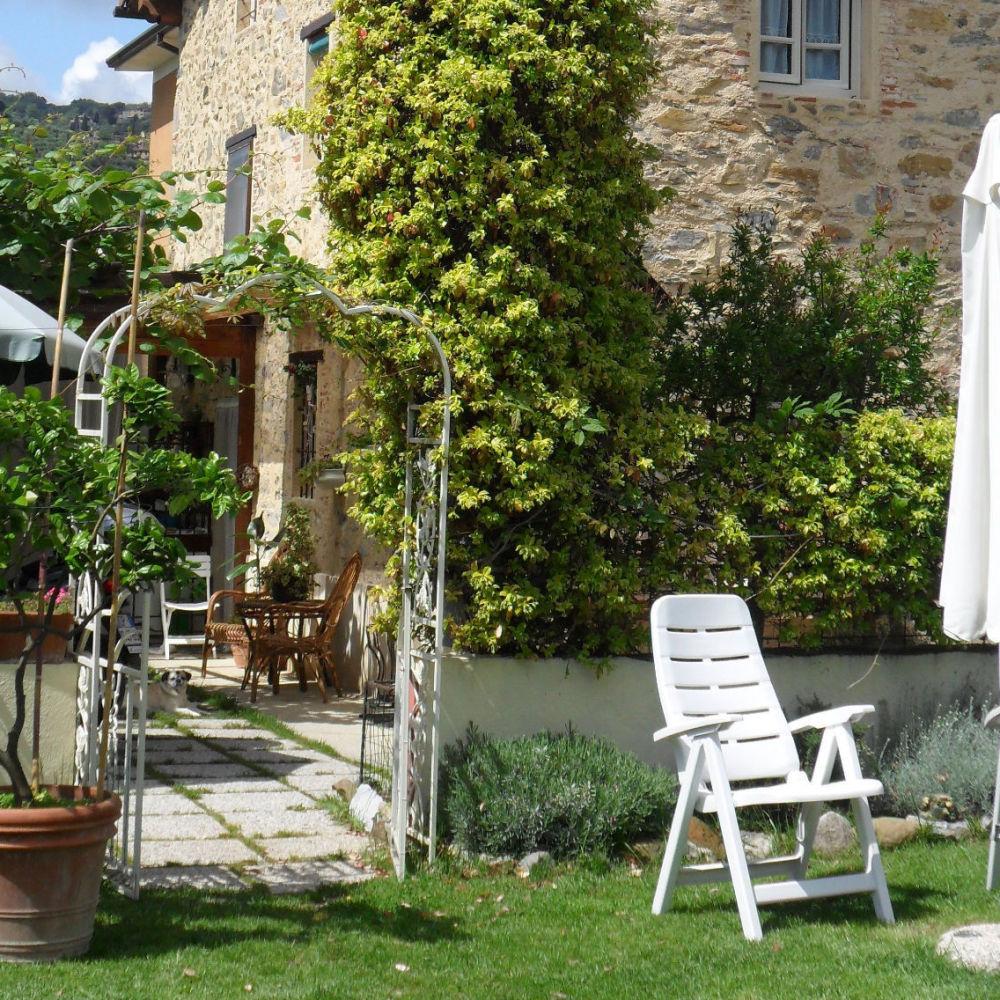 House in village close to Viareggio seaside