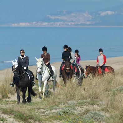 A cavallo tra la natura intorno a Castiglione