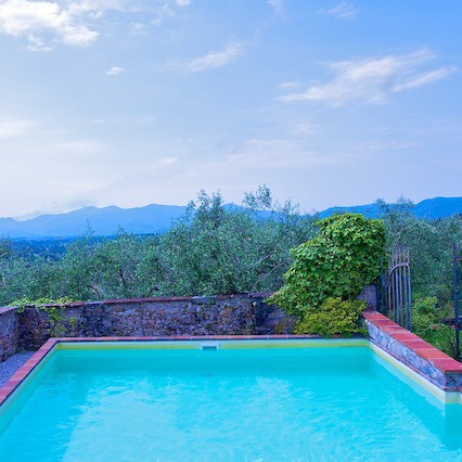 Villa close to Lucca panorama & pool