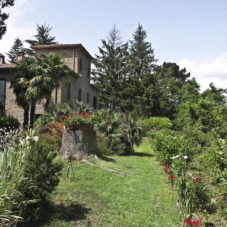 Old villa in Maremma with lake and waterfall
