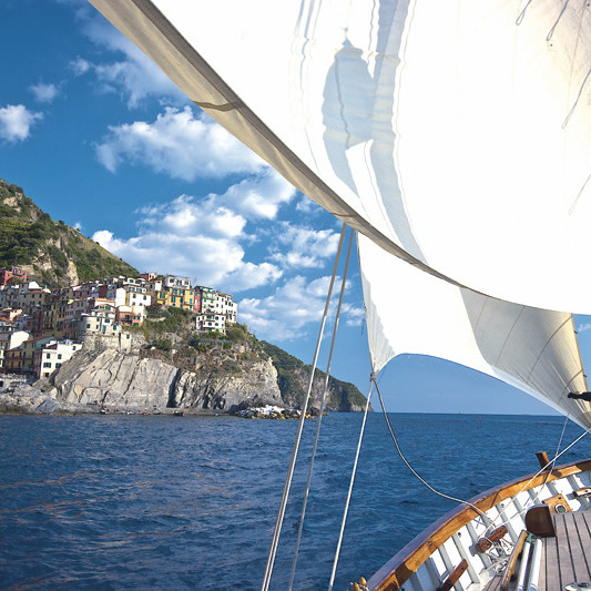 Champagne on a sail boat at the Cinqueterre