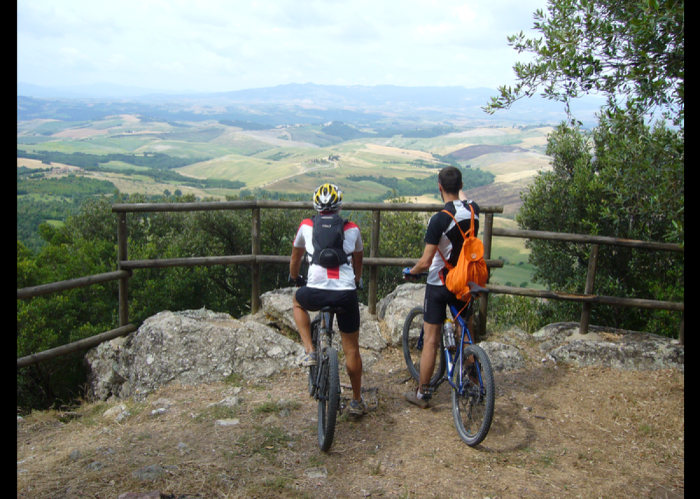 Via Francigena toscana in mountain bike