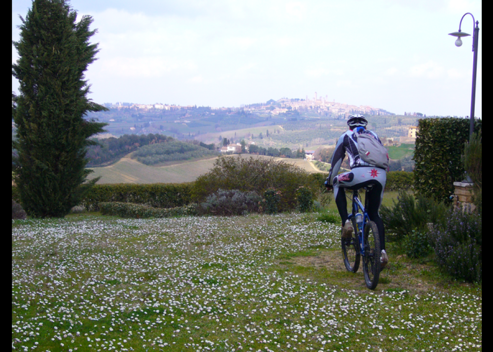 Tuscan Via Francigena by mountain bike